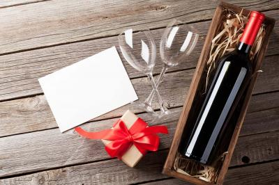 4 Perfect Gifts for a Wine Lover